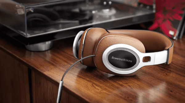 Bowers & Wilkins P9 Signature is one of the best lightning headphones for your iPhone.